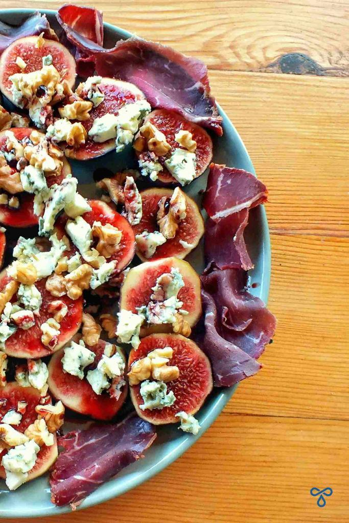 Figs With Blue Cheese And Walnuts